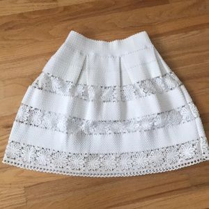 Aqua white fully lined skirt with pleats